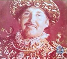 Clóvis Bornay  Em 1965, no Carnaval do 4º Centenário, Clóvis Bornay surge triunfal fantasiado de Estácio de Sá, o fundador da cidade do Rio de Janeiro.
