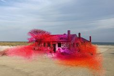 Artist Immerses an Abandoned New York Home in Paint And The Results Are Pretty Cool - UltraLinx
