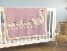 Tante er Fortsatt Gal! – BABYTEPPER - De enkleste, men absolutt de søteste Crochet Blanket Patterns, Baby Blanket Crochet, Baby Patterns, Cot Blankets, Knitted Baby Blankets, Knitting For Kids, Baby Knitting, Bunny Blanket, Intarsia Knitting