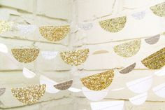 Girlanden in Gold | LePetiteFest Etsy
