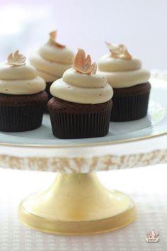 autumn chocolate caramel cupcakes.