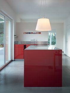 #Tolomeo suspension for this kitchen ! #design Michele de Lucchi & Giancarlo Fassina. Diffusor finishes : Satin Black, Ecru Parchment, Satin Grey. Size of the diffusor 42cm or 52 cm.