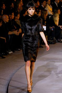 See the complete Marc Jacobs Fall 2013 Ready-to-Wear collection.