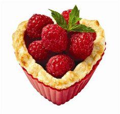 Wilton® Individual Valentine Fruit Pies, large