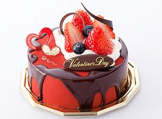 OKayama|Sweets|HAKUJUJI|岡山|スイーツ| 白十字||バレンタインショコラ【数量限定】    チョコレートムースとキャラメルムースにさくっとした食感の苺のロシェを忍ばせたスペシャルケーキ。本命の彼やご家族でどうぞ!ご予約承ります![ 約12cm/¥1.800 要冷蔵 ] <各店限定10台>*発売期間:2/13(水)・2/14(木)