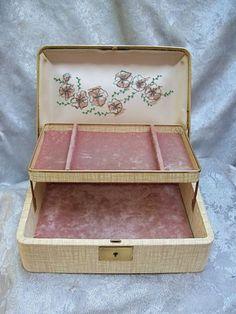 More Vintage Jewelry Box Love Vintage Jewelry Boxes Pinterest