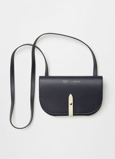 Celine luxury bags small and black - Handbags Fashion Handbags, Fashion Bags, Fashion 2016, Runway Fashion, Fashion Trends, Celine 2016, Celine Bag, My Bags, Purses And Bags
