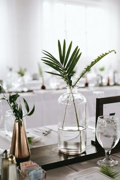 modern, minimal wedding decor for table. Modern Wedding Centerpieces, Country Wedding Decorations, Party Centerpieces, Flower Centerpieces, Centerpiece Ideas, Wedding Themes, Simple Table Decorations, Wedding Venues, Wedding Inspiration