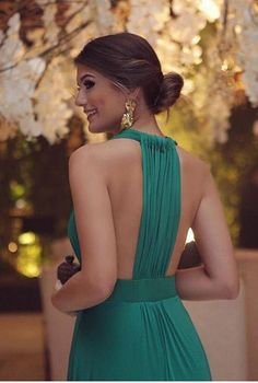Simple Sexy Deep V-neckline Green Evening Dress Event Dresses, Prom Party Dresses, Dress Party, Glamour, Green Evening Dress, Green Dress, Glamorous Evening Gowns, Emerald Dresses, Party Fashion