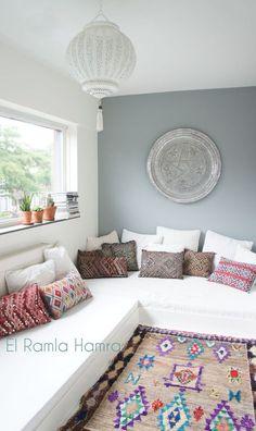 www.elramlahamra.nl vintage Moroccan Ourika rug and kilim pillows