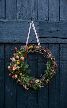 Floral Tutorial :: A Winter Woodland Holiday Wreath