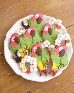 Parrots & Hawaiian lei cookies