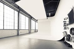 industrial studio space <----- don't need the photog set up, but my gawd, the LIGHT!
