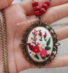 hayat gercekten cok kısa iyi yaşayın doyasiya. . . . . . . #tasarim #gununkaresi #yolacikankargolarimiz #kisiyeozel #hediyelik #likelike0104 Embroidery Jewelry, Ribbon Embroidery, Cross Stitch Embroidery, Brazilian Embroidery, How To Make Buttons, Handmade Accessories, Clay Earrings, Craft Fairs, Needlework