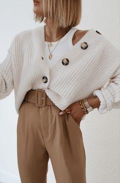 Summer Fashion To Cover Legs .Summer Fashion To Cover Legs Minimalist Fashion French, Minimal Fashion, Mode Outfits, Trendy Outfits, Fashion Outfits, Hijab Fashion, Fashion Ideas, Fashion Tips, Look Casual Otoño