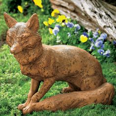 Watchful Fox Sculpture- the shop at Monticello