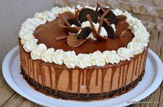 Tort Oreo cu mascarpone si ciocolata - fara coacere. O reteta de tort cu biscuiti Oreo, mousse de ciocolata cu mascarpone, frisca naturala, glazura oglinda Oreo Cake, Oreo Cheesecake, Healthy Desserts, Easy Desserts, Romanian Desserts, Torte Recepti, Something Sweet, Cheesecakes, Sweet Tooth