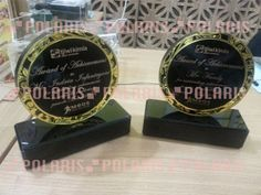 POLARIS Laser Cutting dan CNC Surabaya: media promosi acrylic plakat / trophy premium high...