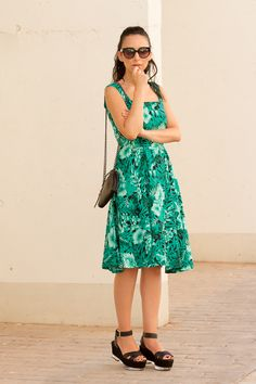 Tropical Floral Midi Dress | ! With Or Without Shoes - Blog Moda Valencia Tendencias
