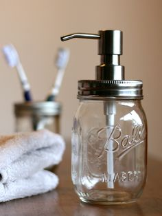 Upcycling: Seifenspender aus Einmachglas / upcycling idea: soap dispenser made of a mason jar made by twiete7 via DaWanda.com