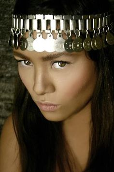 ✿⊱╮Ximena Huilipán is a Chilean Mapuche model and actress. The Mapuche Nation are the indigenous people of Argentina & Chile Native American Women, American Indians, Elite Model Look, Beauty Around The World, Indian Models, People Of The World, World Cultures, Woman Face, Traditional Outfits