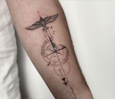 Illustration fore arm geometric compass and mountains on fore arm Hon Tattoo Compass Tattoo Forearm, Simple Compass Tattoo, Simple Line Tattoo, Compass Rose Tattoo, Compass Tattoo Design, Arrow Tattoo Design, Geometric Compass, Small Geometric Tattoo, Geometric Mountain Tattoo