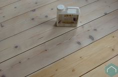 <p>hout met Faxe logen, verzepen en oliën, op zijn Scandinavisch</p>