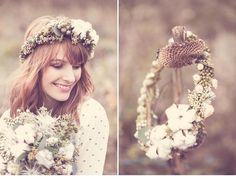 Romantic Feelings With Floral Crowns, flowers by Milles Fleurs, photo by Anja Schneemann  Read More: http://www.hochzeitsguide.com/de/fashion-a-beauty/braut-accessoires/zauberhafte-braut-haarkraenze-von-milles-fleurs-und-anja-schneemann-photography#english