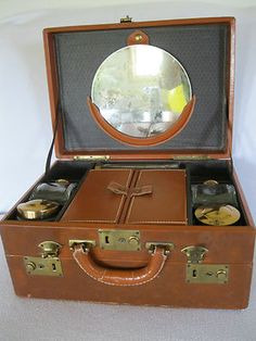 Vintage Travel Toiletry Case Luggage Trunk Bottles Made in USA 14x10x7 $34