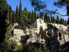 Verona - Teatro romano e chiesa di Santa Libera