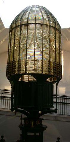 1st-order-fresnel-lighthouse-lens-in-museum-in-westport-wa