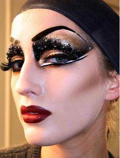Google Image Result for http://1.bp.blogspot.com/-bVXUpKO1wyY/UH3AT6xT6vI/AAAAAAAACJA/ZzIpBg0OY5I/s1600/dior_makeup_look_1.jpg
