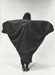 ankosv:  cocoon coat, issey miyake fall winter 1976/77