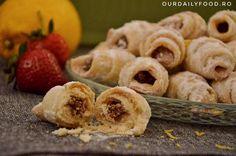 Cornulete+fragede+cu+bors+acru+si+ulei+–+de+post Dessert Recipes, Desserts, Vegetarian, Sweets, Vegan, Cookies, Gem, Food, Kitchen