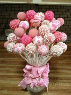 Baby Shower Cake Pop Bouquet by Susan Oliver – Jasmin Komm. Deco – # Baby Shower Cake Pop Bouquet - New Sites Cake Pop Bouquet, Shower Party, Baby Shower Parties, Baby Shower Themes, Shower Ideas, Baby Girl Shower Desserts, Bridal Shower, Idee Baby Shower, Baby Shower Cake Pops