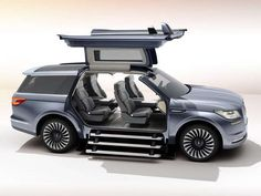Gullwing doors wow N.Y. Auto Show crowd in new Lincoln Navigator concept via @USATODAY