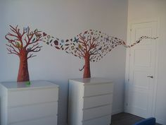 love the tree wall art
