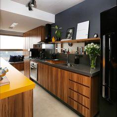 Cozinha preto / amarelo / Madeira