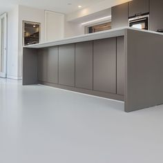Installation Date: August 2014 Location: Blackheath Flooring Type: Grey Resin (RAL This beautiful designer home opted for the installation . Epoxy Floor Paint, Epoxy Resin Flooring, Concrete Floors, Foyer Flooring, Kitchen Flooring, Kitchen Dining, Küchen Design, Tile Design, Barn Renovation