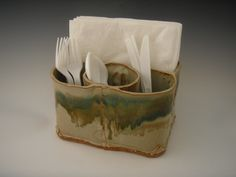 handbuilt pottery silverware + napkin holder (add a carrying handle on the top) Hand Built Pottery, Slab Pottery, Ceramic Pottery, Pottery Art, Pottery Tools, Pottery Classes, Ceramic Utensil Holder, Pottery Toothbrush Holder, Pottery Handbuilding