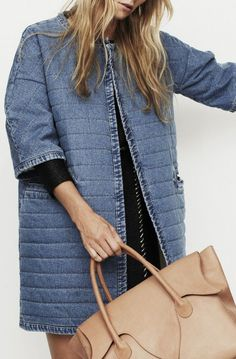 Denim Quilt coat Make it with patch work or tiers from jeans. Denim Fashion, Look Fashion, Womens Fashion, Fashion Design, Estilo Jeans, Looks Jeans, All Jeans, Denim Coat, Mode Inspiration