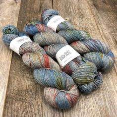 Have you seen this gorgeousness?! Hot Air Balloons on Baby Got Yak #lolodidit . . . #yarn #indiedyer #knit #knitting #knittingaddict…