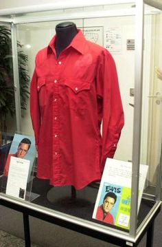We can see that shirt on that board when Elvis used it for publicity picture taken in may 1968. But Elvis used it first in the movie Stay away Joe filmed in fall 1967.
