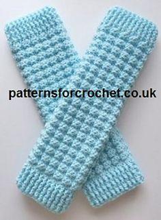 Free crochet pattern for ladies leg warmers, easy to follow pattern.