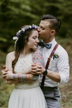 Outdoorsy Style Wedding, Elopement in the Woods, Woods Elopement, Elopement, Hocking Hills Wedding