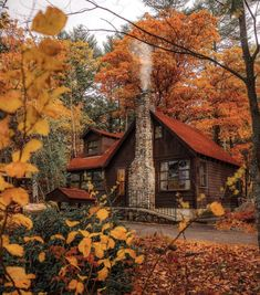 Cabin In The Woods, Cottage In The Woods, Cozy Cottage, Autumn Scenery, Autumn Cozy, Autumn Fall, Autumn House, Autumn Witch, Autumn Aesthetic