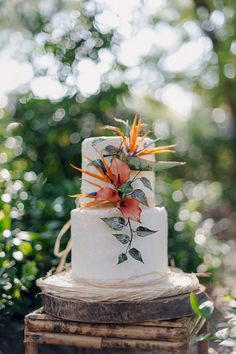 Love Wedding Cakes Gauguin Inspired Tropical Wedding Inspiration by Gingerale Photography, Ninirichi Style Studio & Tickled Pink Weddings and Events Tropical Wedding Reception, Wedding Reception Decorations, Wedding Themes, Reception Ideas, Tropical Weddings, Wedding Events, Tropical Wedding Dresses, Wedding Receptions, Wedding Cake Roses