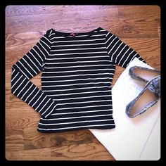 Striped long sleeve top  Black and white stripes, Forever 21, size M. Very good condition. Forever 21 Tops Blouses
