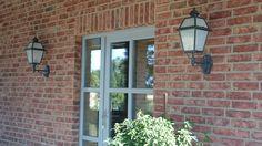 Außenleuchten aus Terme. Anthrazit-grau mit satinierten Scheiben. Windows, Led, Milk Glass, Lighting, Lawn And Garden, Ramen, Window