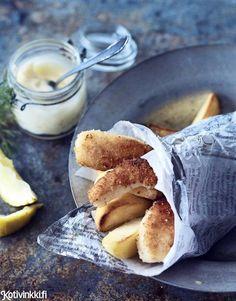 Valmista trendikäs fish and chips itse pyydetystä kuhasta. Fish And Chips, Food Packaging, Pretzel Bites, Camembert Cheese, Seafood, Veggies, Koti, Bread, Sea Food
